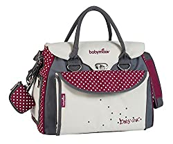 Multiple storage compartments: The Baby Chic changing bag has multiple pockets and storage compartments: Six on the inside and one on the outside Large changing mat: The large changing mat is at the front for easy access The complete solution: The Ba...