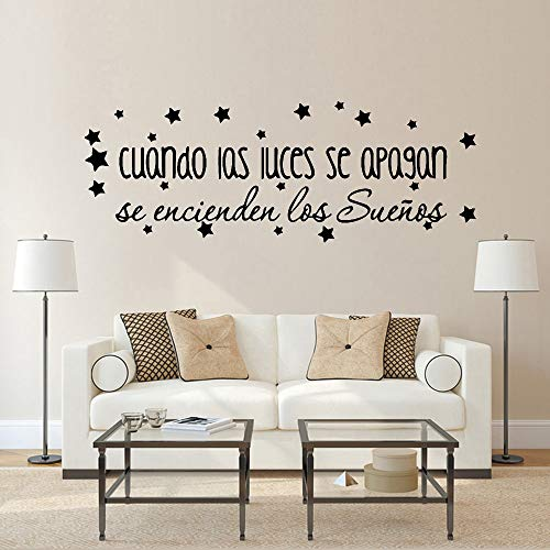 Cuando las luces se apagan Calcomanías de pared Citas españolas con estrellas Decoración Vinilo Vivero Pegatinas de pared interior Decoración del hogar A6 57x20cm
