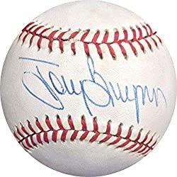 To y Gwynn Autographed Ball