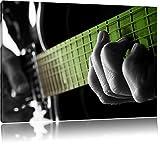 Mann spielt auf E-Gitarre schwarz/weiß Format: 100x70 auf Leinwand, XXL riesige Bilder fertig gerahmt mit Keilrahmen, Kunstdruck auf Wandbild mit Rahmen, günstiger als Gemälde oder...