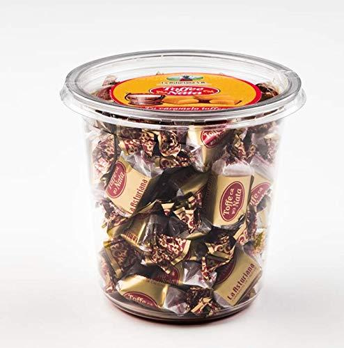 Bote de Caramelos Toffe y Nata La Asturiana - Pequeño bote con 300 gramos de clásico caramelo masticable de toffe y nata, con delicioso toque a nata batida, en elegante envoltorio metalizado
