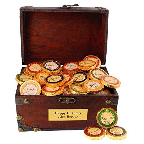 Schokoladen Schatztruhe mit Ihrer persönlichen Gravur als süße Geschenkidee zum Muttertag - Holz-Truhe mit 480g Schokodublonen