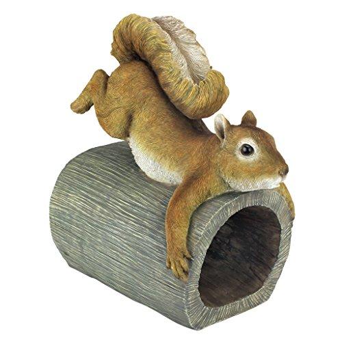 Design Toscano QM2869000 Crash The Squirrel Gutter Guardian Downspout Statue, Full Color
