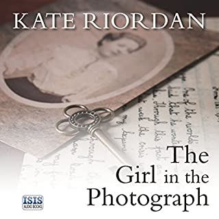 The Girl in the Photograph Titelbild