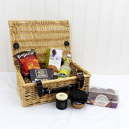 Gents Nibbles Wicker Gift Basket Hamper with 7 Items - Gift ideas for Dad, him, Father's Day, Birthday, Christmas, Anniversary, Corporate, Business gifts, Husband, Grandad