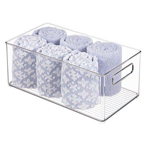 mDesign Contenitore per Il Bagno – Organizer per Il Bagno di plastica per Asciugamani, Prodotti Bagno e Cosmetici – Pratico Cesto per Il Bagno con Manici – Trasparente