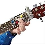 Comment utiliser: Commencez à jouer à la minute où vous attachez l'aide à la pratique à votre accord de guitare. pour tous les âges: progression extrêmement rapide avec un système d'accords de guitare éprouvé et efficace, adapté à tous les âges. U...