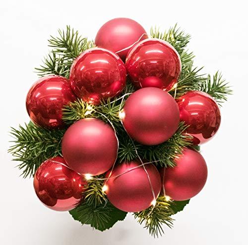 Strauss mit Kugeln Weihnachtsstrauß Nr.20 mit Lichterkette - Strauss künstlich mit roten Kugeln und LED Lichterkette Winter - Kugelstrauss Blumenstrauss Weihnachten Liegestrauß Seidenblumen