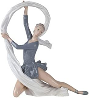 Nao Porcelain by Lladro DANCER WITH VEIL 2000185
