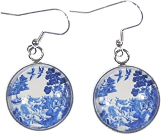 'Blue Willow', Willow Ware Blue and White Cabochon Dangle Earrings (Blue Willow)