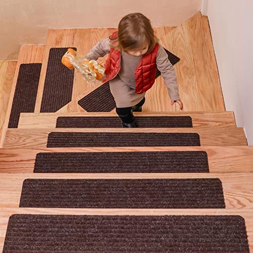 DanceWhale 15er Set Stufenmatten (76.2 x 20.3 cm) Treppenmatten Treppen rutschfest Selbstklebende Treppenteppich, Sicherheit Stufenteppich für Kinder, Älteste und Haustiere, Braun