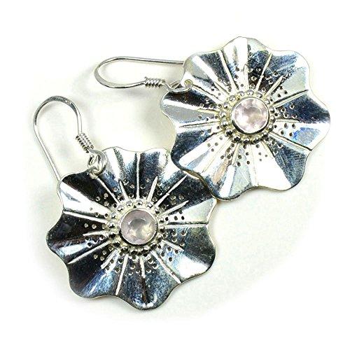 Jewelryonclick - Par de pendientes de plata de ley con diseño de flor de cuarzo rosa