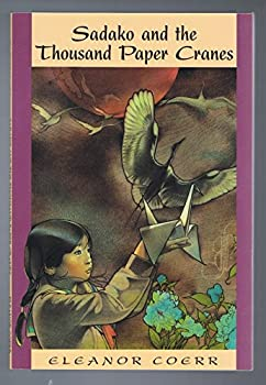 Paperback Sadako and the Thousand Paper Cranes Book