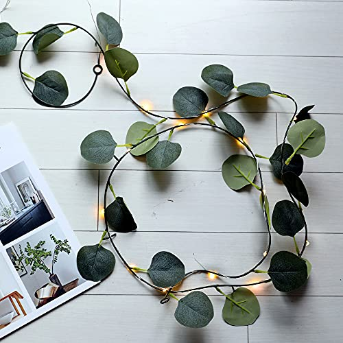 Artificial Eucalipto Guirnalda LED, Plantas Artificial luces guirnalda de vid colgante Lámpara de Bricolaje Halloween Jardín Hogar Boda Fiesta Dormitorio Decoración (2m 20LEDs)…