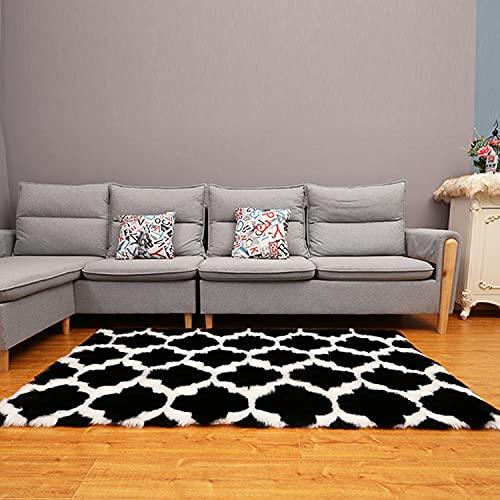 NeuWook Alfombra de piel de oveja suave y mullida, de imitación de piel de cordero para la cama o el salón, color negro y blanco, 80 x 180 cm