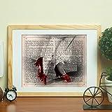 Nacnic Poster de El Mago de Oz y los Zapatos de Dorothy. Láminas de Cine Antiguo de Hollywood. Diseño de Cine Vintage con definiciones. Tamaño A4 con Marco