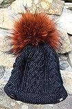 Handgestrickte Mütze mit wechselbarem Fellbommel