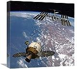 """Global Gallery Orion Docking Presso la Stazione Spaziale Internazionale, Progetto Costellation-Canvas Art-18""""x18"""""""