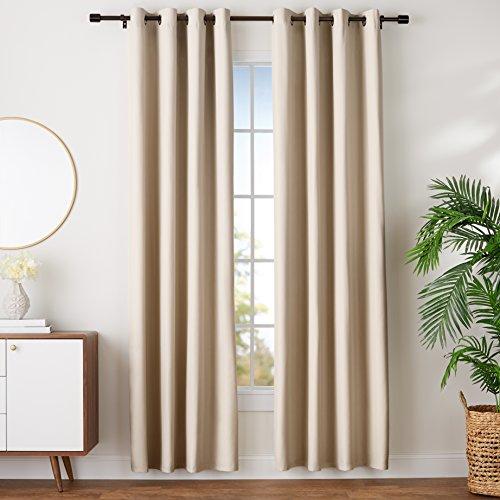 Amazon Basics - Juego de cortinas que no dejan pasar la luz, con ojales, 140 x 245 cm, Beige