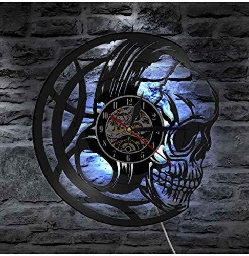 QAZQAZ 3D Uhren Schwarzer Schädelkopf Wanduhr Mit Led Hintergrundbeleuchtung Schädel Kopfhörer 3D Beleuchtetes Zeichen Halloween Dekorativ Mit 7 Farben