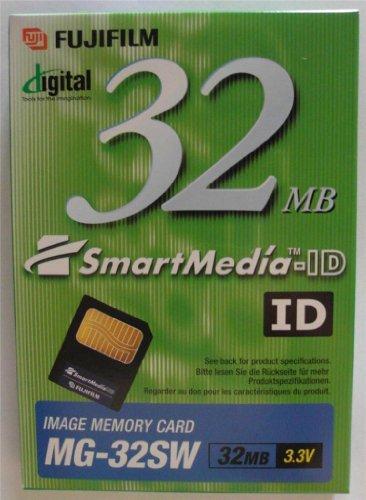 Fuji 32MB SmartMedia Card Compatible with All Olympus & Fujifilm Digital Cameras - Retail Package.