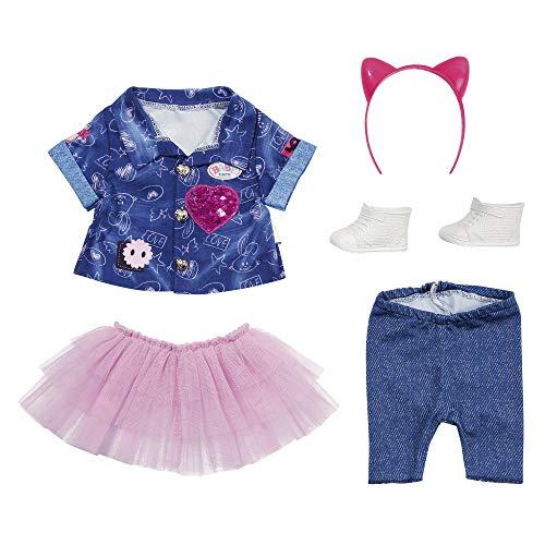 BABY born Deluxe Jeans-Kleid Spiel Set für 43cm Puppe - Einfach für Kleine Hände, Kreatives Spiel fördert Empathie & Soziale Fähigkeiten, für Kleinkinder ab 3 Jahren - Inklusive Shirt & mehr