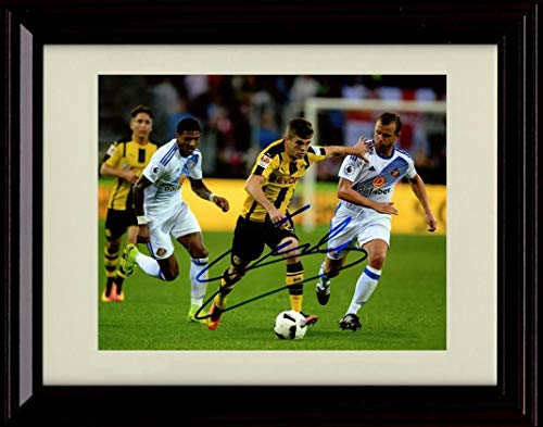 Framed Christian Pulisic Autograph Replica Print - Making a Run