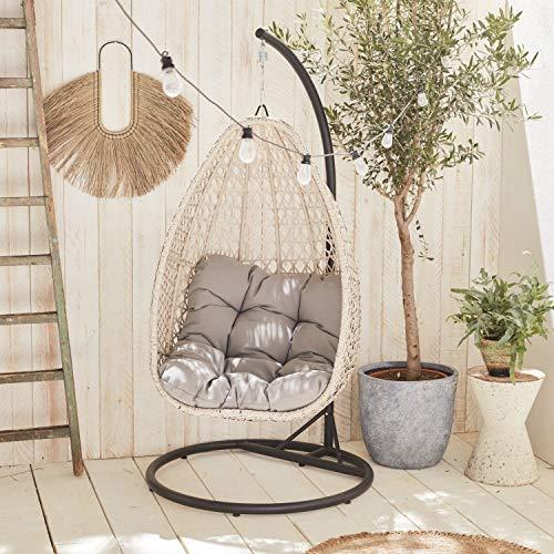Sillón colgante Alice's Garden - Uovo - Loveuse colgante en resina tejida beige brezo y cojín grueso gris claro, asiento retro en forma de huevo, hamaca