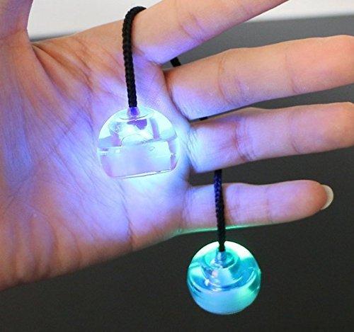 Uchic 3 pcs nouveaux Styles colorés à LED doigt Balles Yoyo Toys Bundle contrôle Rouleau anti Stress brillent dans le noir à couleur au hasard