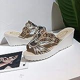 DESIGN CONCISO: sembra molto elegante, per adattarsi al ritmo della camminata, morbida e confortevole.La pantofola da casa sembra così elegante, può renderti diverso dagli altri.