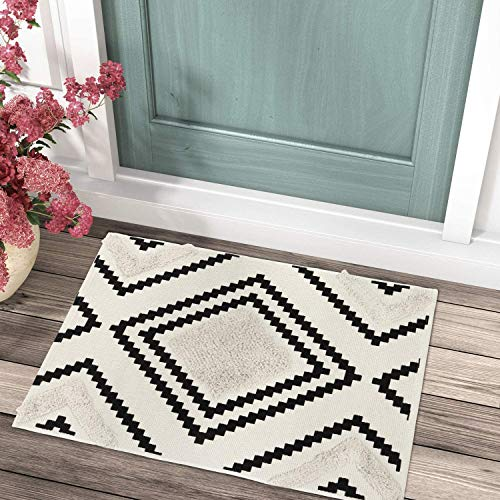 Uphome Tufted Cotton Area Rug 2' x 3' Modern Geometric Boho Throw Rugs Hand Woven Diamond Print Welcome Door Mat Washable Tribal Floor Carpet for Entryway Porch Bedroom Living Room Kitchen,Black