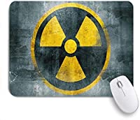 NIESIKKLAマウスパッド 黄色の核放射性シンボルリアクターサイン危険放射線廃棄物 ゲーミング オフィス最適 高級感 おしゃれ 防水 耐久性が良い 滑り止めゴム底 ゲーミングなど適用 用ノートブックコンピュータマウスマット