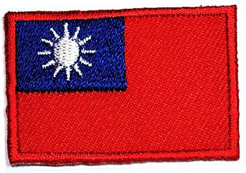 Kleine Mini-Flagge 2,8 x 4,1 cm Taiwan-Flagge bestickt Patches für Kleidung Rucksäcke T-Shirt Jeans Rock Hut Tasche Patch Aufkleber Flagge Land Militär Taktische Stickerei Handwerk (09)