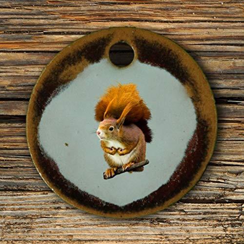 Echtes Kunsthandwerk: Hübscher Keramik Anhänger mit einem Eichhörnchen; Tiere, Wald, Nagetier