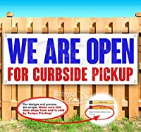 """We are Open for Curbside Pickup 13オンス 高耐久ビニールバナーサイン メタルグロメット付き 新品 店舗 広告 旗 24"""" x 64"""""""
