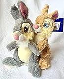 Bambi's Thumper and Miss Bunny abrazando juguetes de peluche suave