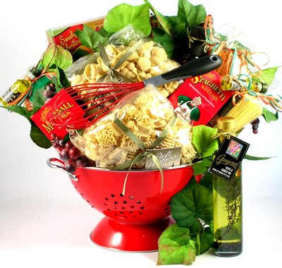 A Taste Of Italy, Italian Gift Basket with Artisan Pastas and Authentic Italian Sauce Mix In Deluxe Colander, 8 pounds (Medium)