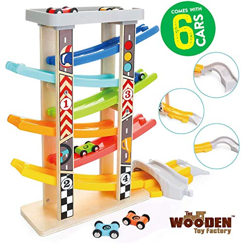 The Wooden Toy Factory - Mega Circuito de Coches de Carreras Click Clack Racing Track con *6* Coches - Incluye Aparcamiento - No Requiere Montaje (Mega Circuito de Coches de Carreras)