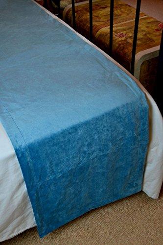 McAlister Textiles Mat Couverture en Velours Peluche et Doux Chemin de Lit, Canapé et Fauteuil - Accessoire - 50x240cm | Couleur Bleu Turquoise Uni