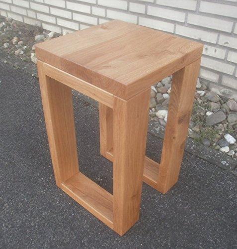 Bijzettafel houten tafel wild eiken massief. Afmetingen: 30 x 30 x 45 cm hoog. Op maat gemaakt.