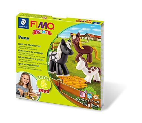 Staedtler 8034 08 LY Fimo kids form&play Set Pony (superweiche, ofenhärtende Knete, kinderleichte Anleitung, wiederverschließbare Box, Set mit 4 Fimo Blöcken, 1 Modellierstab und 1 Spielkulisse)