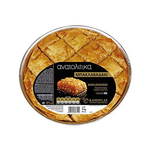 Baklava mit Nüssen und Sirup, traditionelles Griechisches Handgemachtes Gebäck, Nettogewicht 1 kg