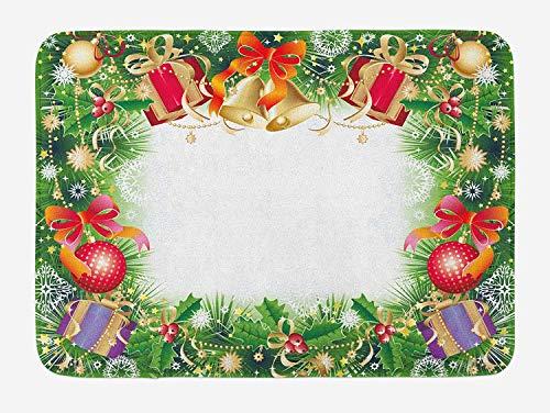 Casepillows Kerstmis Badmat, Kleurrijke Levendig Seizoensgebonden Symbolen Wintertijd Xmas Aquifolium presenteert Klokken Ballen, Pluche Badkamer Decor Mat met Non Slip Backing, 23,6 x 15,7 Inch, Multi kleuren
