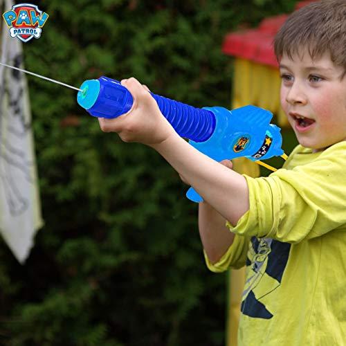 PAW PATROL Pistola de Agua, Patrulla Canina Juguetes para Niños con Personaje Chase, Pistolas de Agua con Mochila Incorporada para Jardin Piscina, Juegos para Niños y Niñas Edad 3+