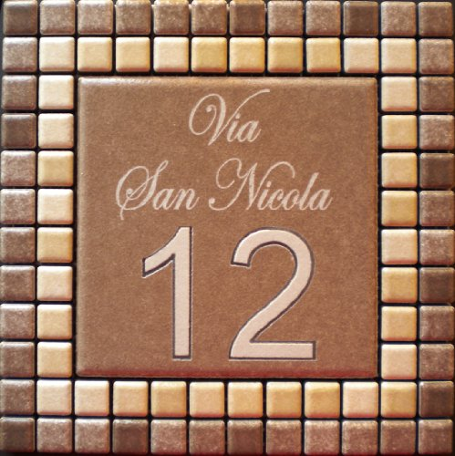 Mosaici Guizzo Numero civico in Ceramica incisa_Colore Marrone e Beige