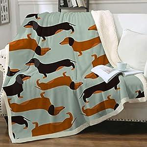 """Sleepwish Dachshund Sausage Blanket Throw Cute Doxie Blanket Blue Fleece Blanket for Kids Women Cartoon Puppy Colorful Plush Throw Blanket Weiner Dog Gift, Green (50"""" X 60"""")"""