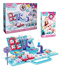 INCLUDES Pom Pom Wow Decoration Station, Starter Pack Refill Set and Pom Pom Shooter Pen, all in one convenient set DECORATION STATION comes with 1 portable play set, 75 pom poms in 4 colors, 85 adhesive dots, 8 removable pom pom trays, 1 removable w...