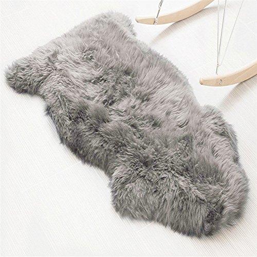 KAIHONG Faux Lammfell Schaffell Teppich (60 x 90 cm) Lammfellimitat Teppich Longhair Fell Optik Nachahmung Wolle Bettvorleger Sofa Matte (Grau, 60 x 90 cm)
