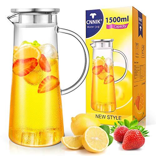 CNNIK Wasserkaraffe, 1.5L Wasserkrug Glaskaraffe Borosilikatglas Krug Edelstahl Deckel mit Sieb für Heiß/Kaltsaft EIS Getränke Tee, Milch, Kaffee und Rotwein