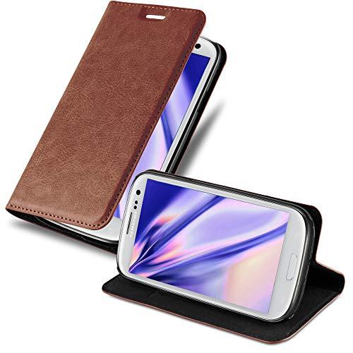 Cadorabo Hülle für Samsung Galaxy S3 / S3 NEO - Hülle in Cappuccino BRAUN – Handyhülle mit Magnetverschluss, Standfunktion & Kartenfach - Case Cover Schutzhülle Etui Tasche Book Klapp Style